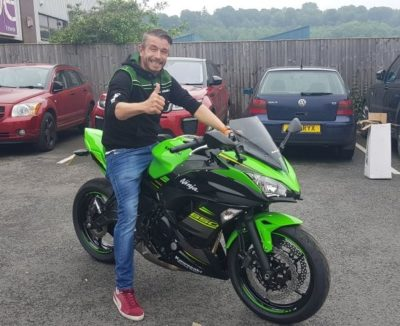 Taking delivery of Kawasaki ZXR650 from Moto Kawasaki